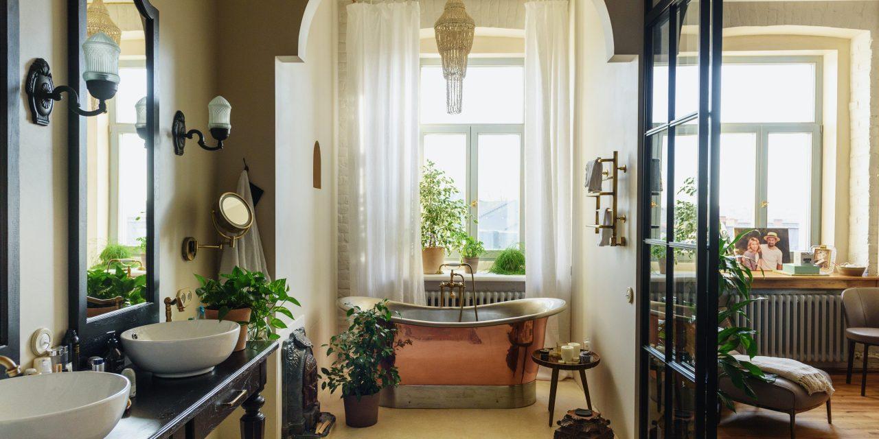 7 Ways to Make Your Bathroom Look Bigger